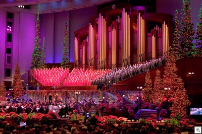 By the by...if you happen to be a Mormon Tabernacle Choir lover, then you can click here and get a BIG pic of them! You're welcome...